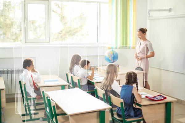 Mamparas para mesas y pupitres de centros educativos, mamparas para aulas, grupo zona